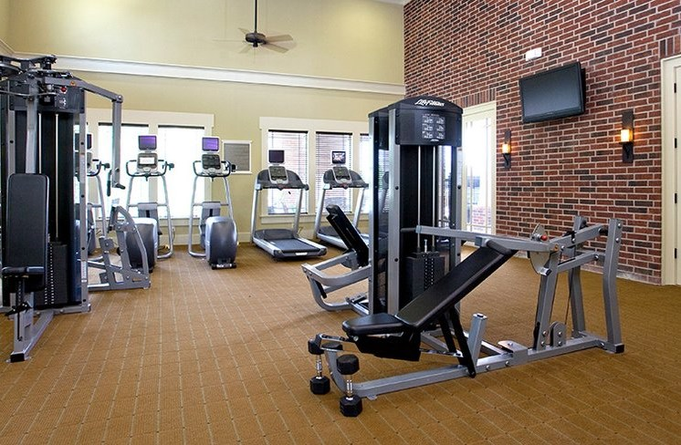 24-hour Fitness Center with Free Weights at Beacon Lakes Apartments, Dickinson, 77539