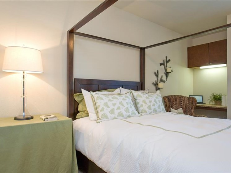 Beacon Lakes Apartments, Dickinson, has Spacious Bedrooms With Modern Amenities