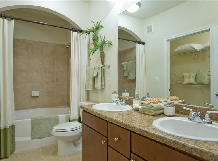 Spacious Bathroom And Linen Closets In Bath Beacon Lakes Apartments, TX