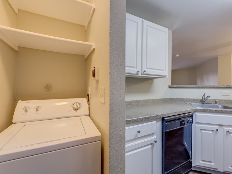 Full Size In-Home Washer and Dryer at Cascadia Pointe, WA