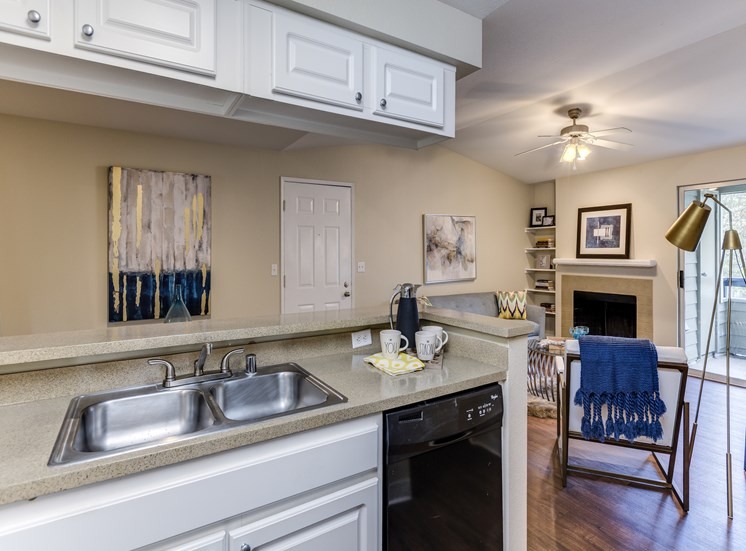 Gourmet Kitchens with Dishwasher and Disposal at Fulton's Crossing Apartments, Washington