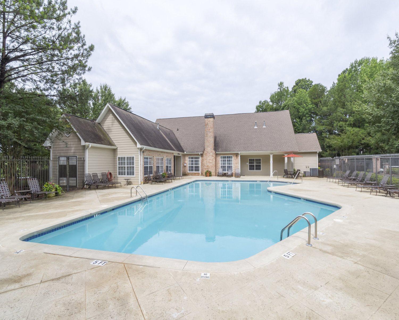 Resort-style pool, leisure pool and lounge, Gwinnett Pointe