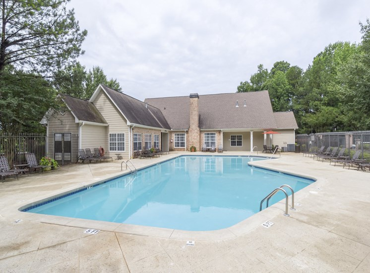 Resort-style pool, leisure pool and lounge, Gwinnett Pointe