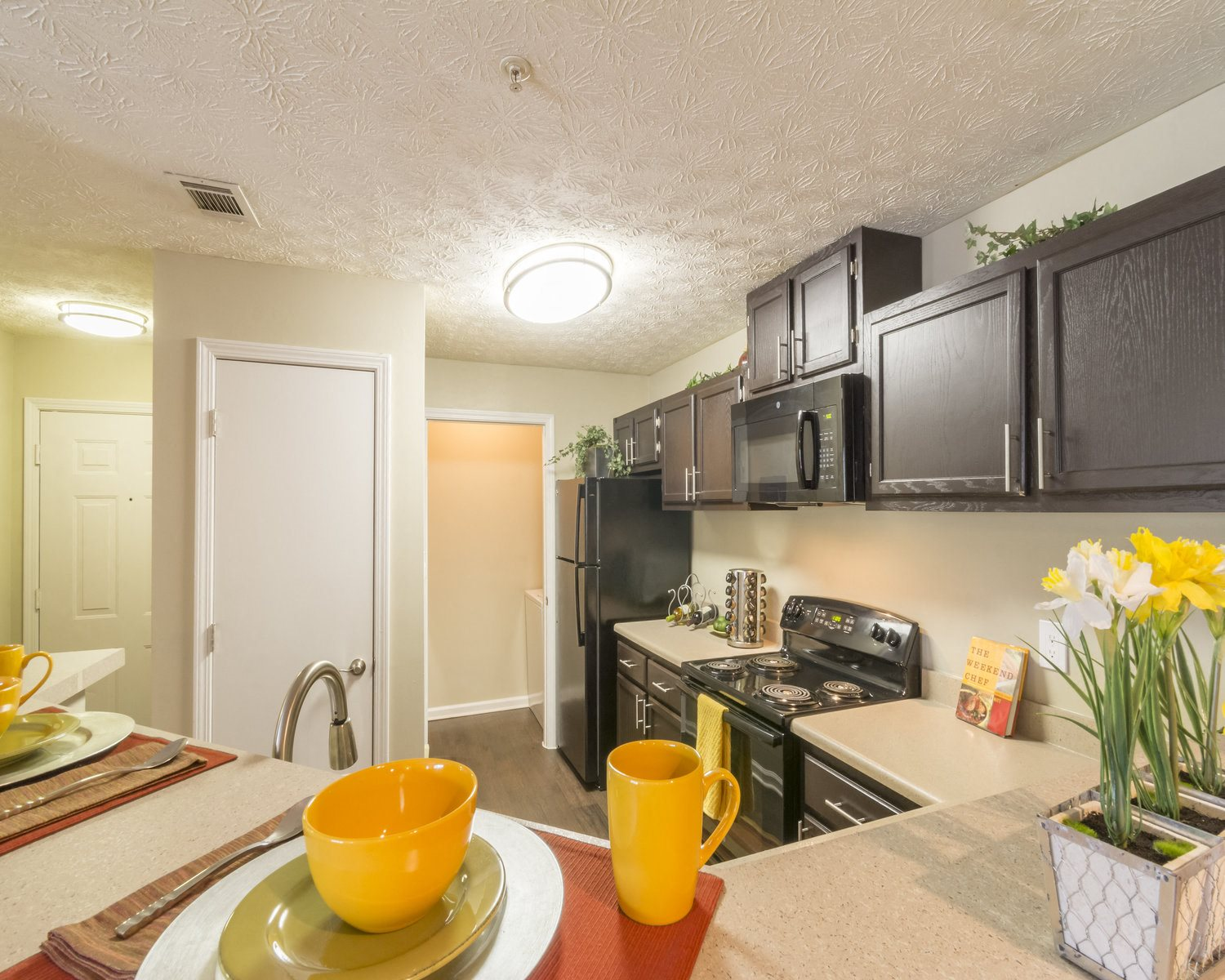 Large family kitchens with walk-in pantry
