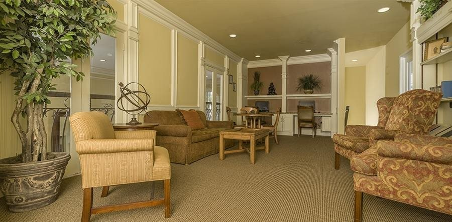 Resident Wi-Fi Lounge and Coffee Bar at Kirby Place Apartments in Houston Texas