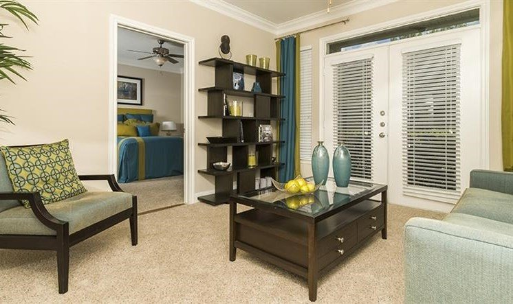 Spacious Living Room at Kirby Place Apartments, Houston, TX, 77030