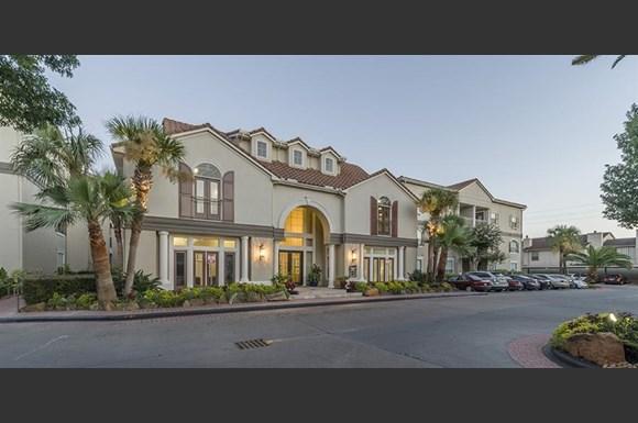Kirby Drive Houston Apartments