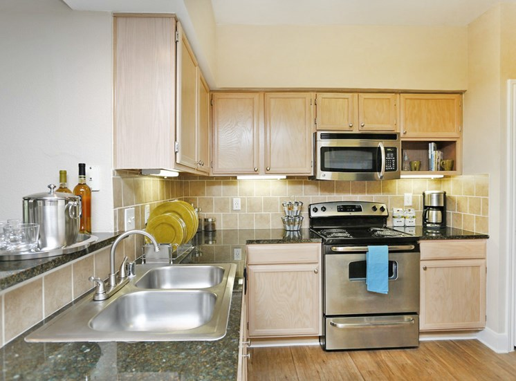 Kirby Place Apartments, Houston, TX,77030 has Granite Countertops in kitchens