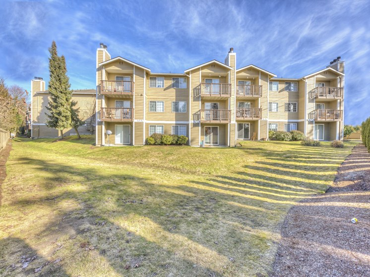 Resort Style Community at Mirabella Apartments, 805 112th St SE, Everett, Washington 98208