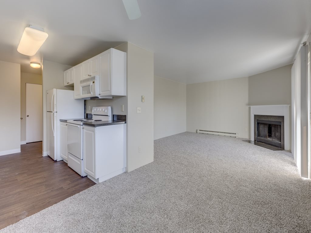 Lush Wall-to-Wall Carpeting at Mirabella Apartments, 805 112th St SE, Everett, WA