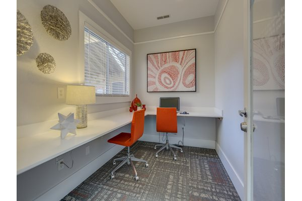 Business Center With Modern Amenities at Nickel Creek Apartments, 3702 204th St SW, Lynnwood