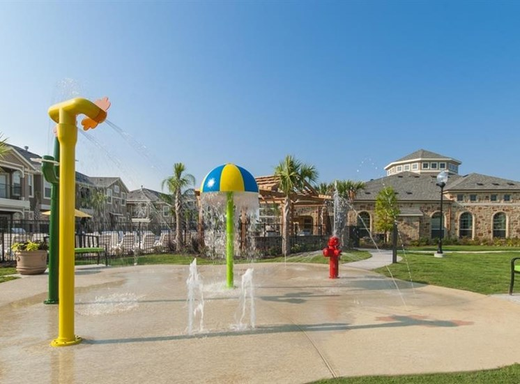 Parc Woodland, has Splash Park