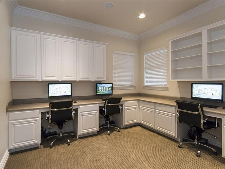 Executive Business Center with Wifi at Parc Woodland,
