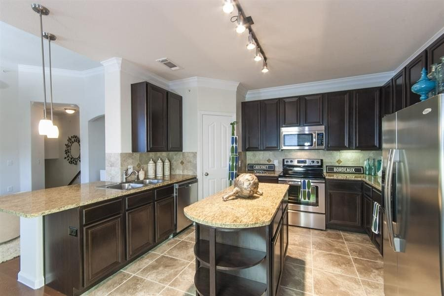Stainless Appliances with Glass-top Stoves