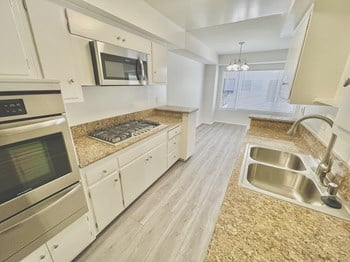 320 N. Palm Dr. 1 Bed Apartment for Rent Photo Gallery 1