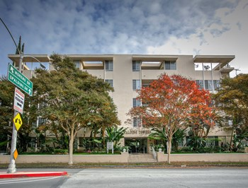 330 S. Spalding Dr. 1-2 Beds Apartment for Rent Photo Gallery 1