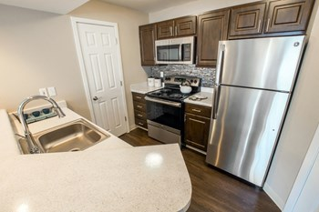 2212 Vermont Drive 1-2 Beds Apartment for Rent Photo Gallery 1