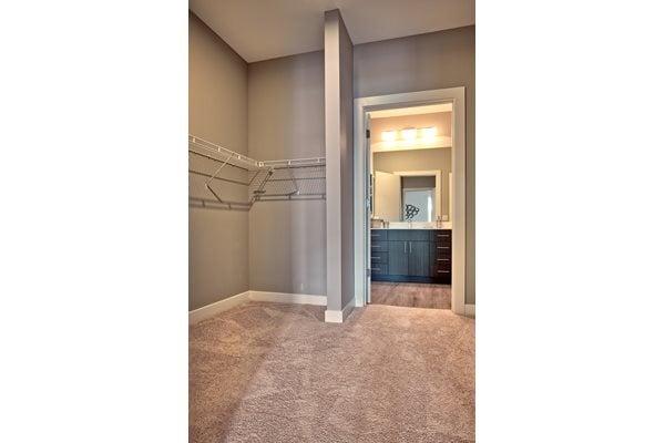 Expansive Walk In Closets At The Ridge Robinson Apartments Pittsburgh Pa