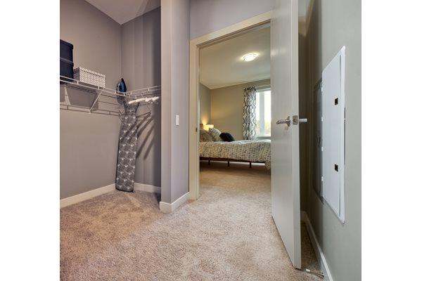 Wall-to-Wall Carpeting at The Ridge at Robinson Apartments, Pittsburgh, PA
