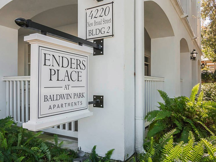 Enders Place at Baldwin Park Entrance Sign