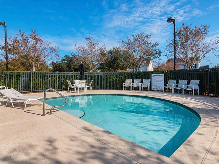 Enders Place at Baldwin Park Small Pool