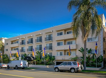 1470 S. Beverly Dr. Studio-2 Beds Apartment for Rent Photo Gallery 1