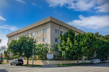 8700 Burton Way 1-2 Beds Apartment for Rent Photo Gallery 1