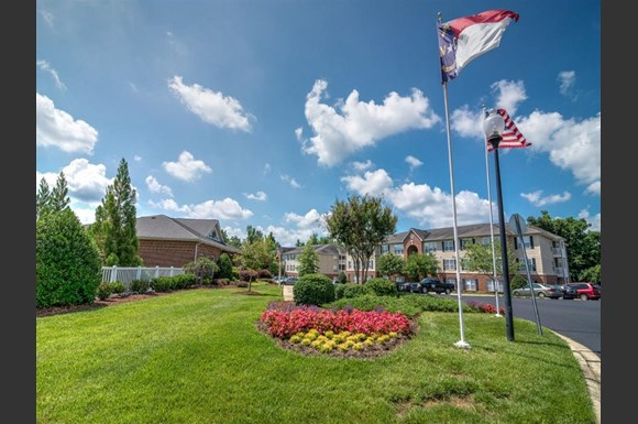 Spring Forest At Deerfield Apartments Willow Brook Court - Deerfield crossing apartments mebane nc