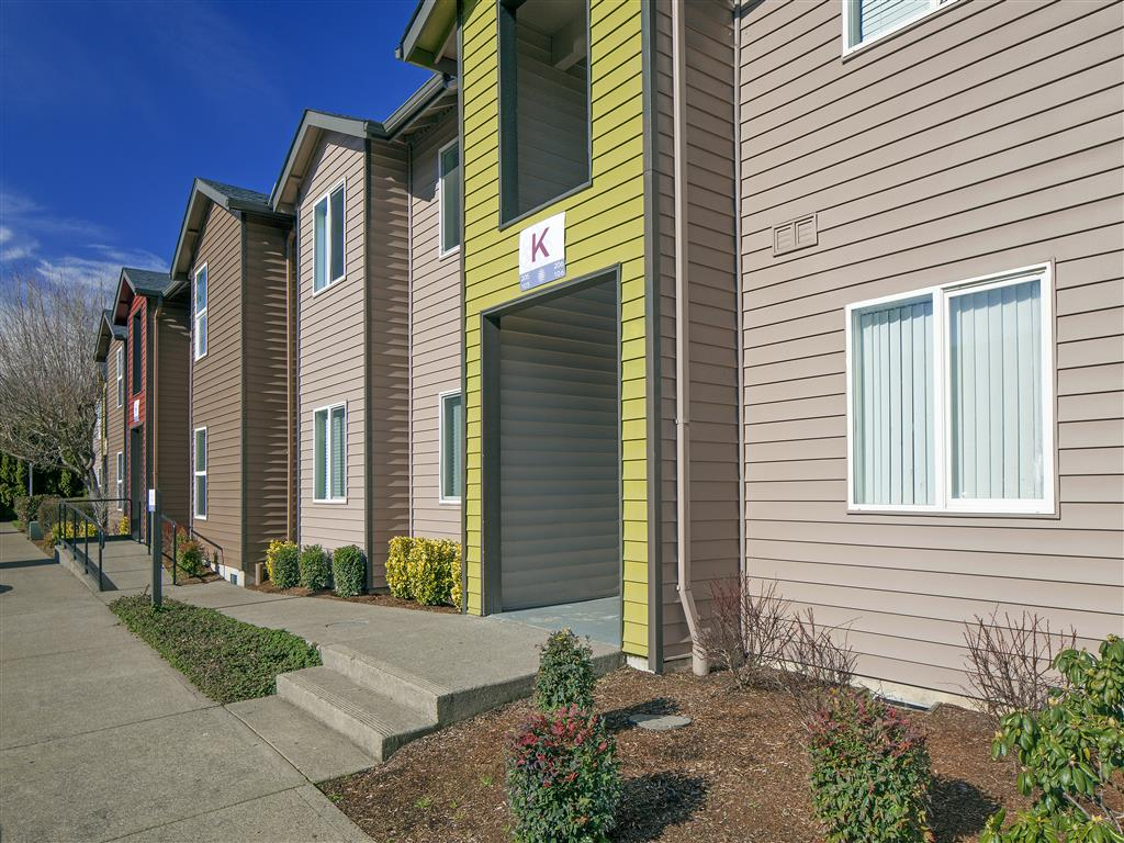 Building Exterior | The Township Apartments For Rent in Canby, OR