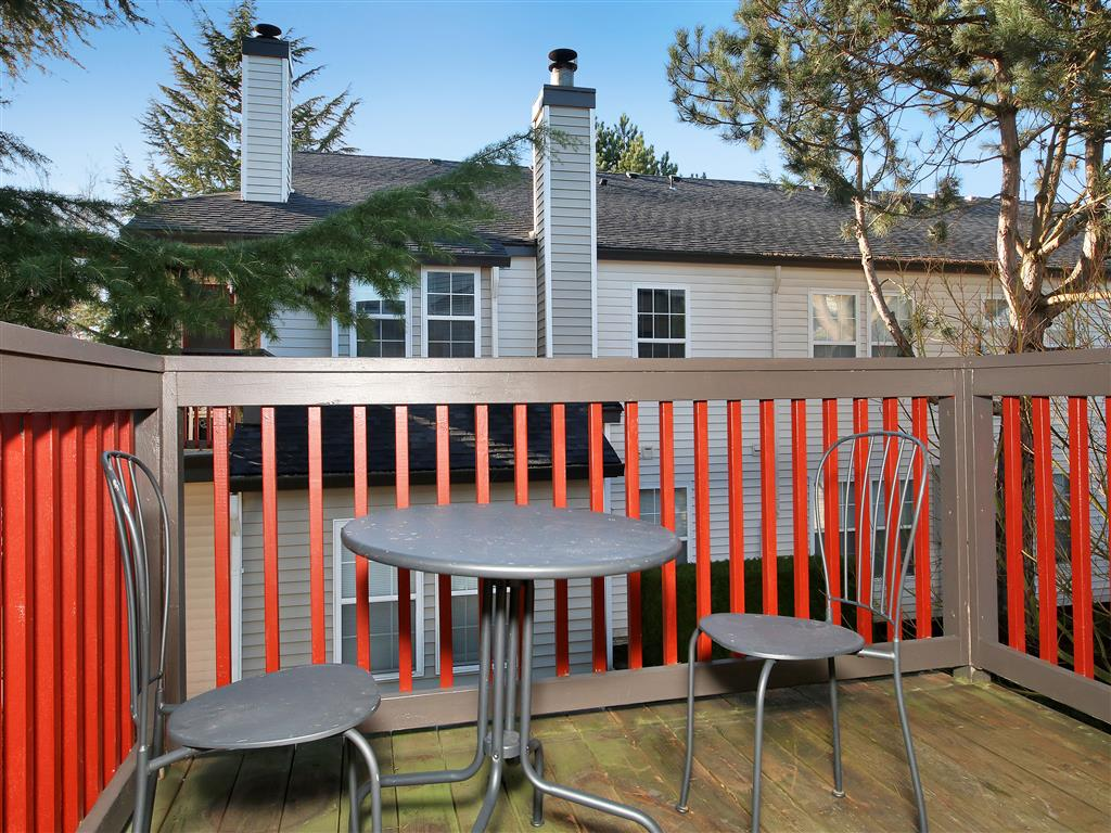 Patio | Village on 7th Apartments For Rent in Vancouver, WA
