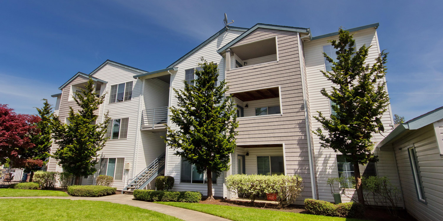 Expansive Grounds | Hanover Apartments For Rent In Beaverton, OR