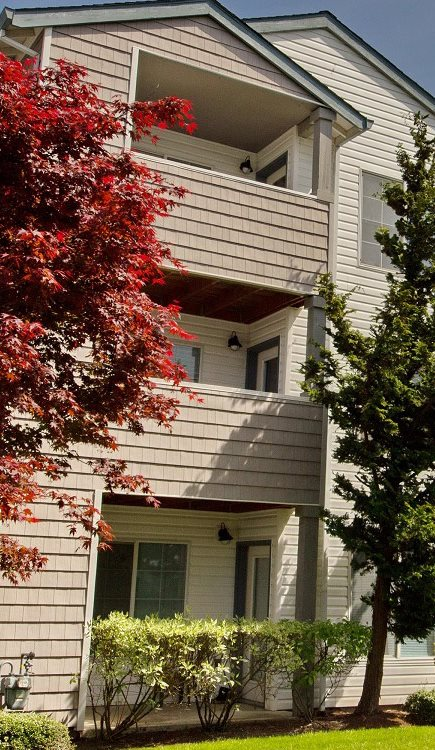 Lush Landscape | Hanover Apartments For Rent in Beaverton, OR