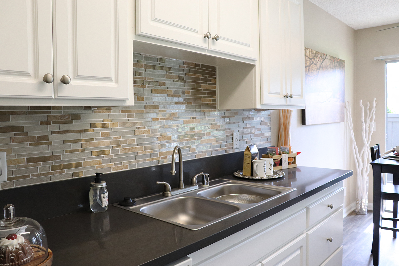 Quartz Counertops at Monte Vista Apartment Homes, CA, 91750