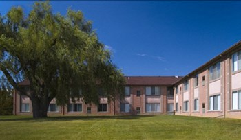 22277 W. 12 Mile Road 1-2 Beds Apartment for Rent Photo Gallery 1