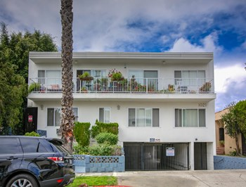 1021 N. Orange Grove Ave. 1 Bed Apartment for Rent Photo Gallery 1