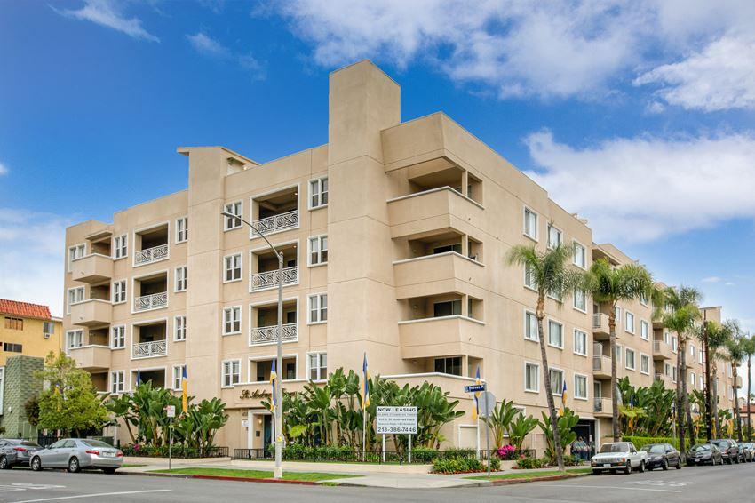 Wilshire St Andrews Towers Apartments 450 S St Andrews Place Los Angeles Ca Rentcafé
