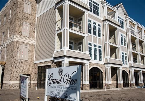 Grand View Luxury Apartments Community Thumbnail 1