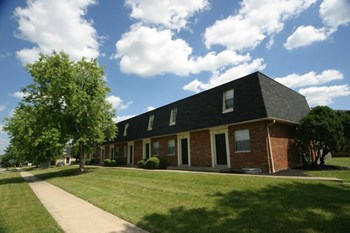 2300 Deewood Dr 2 Beds Townhouse for Rent Photo Gallery 1