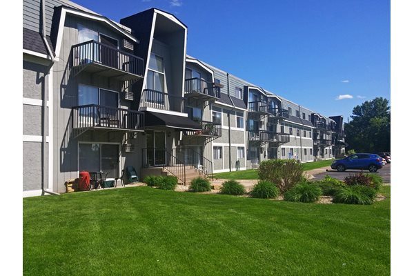 956 Place apartments in Forest Lake