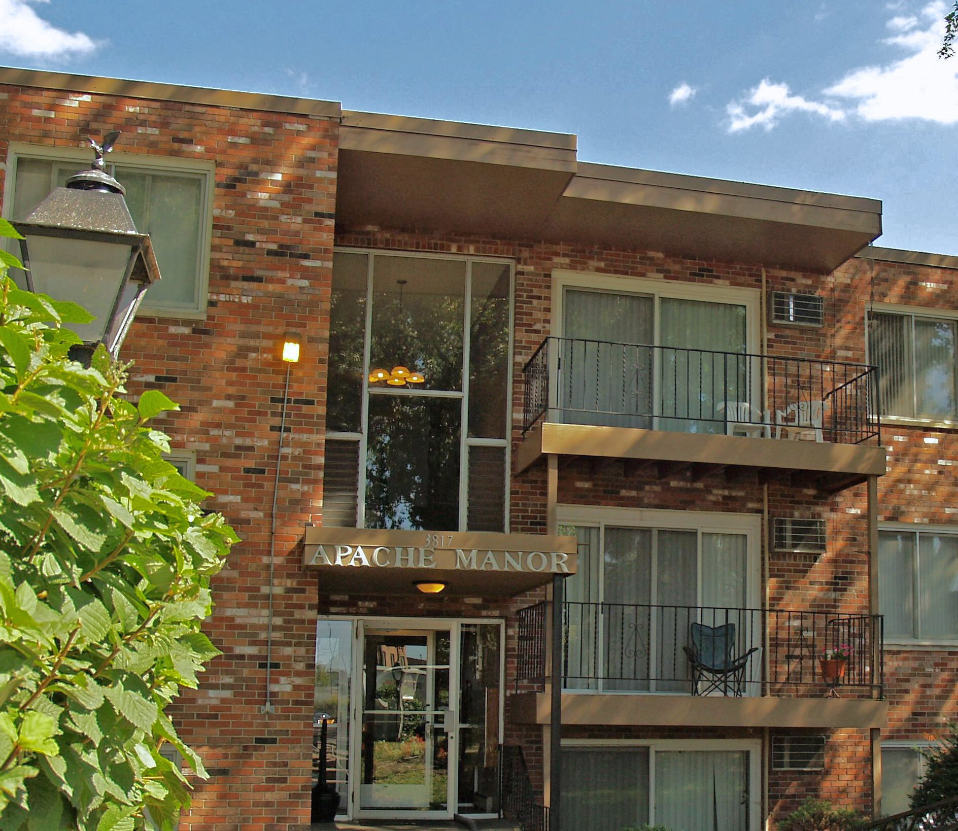 Kingswood Village Apartments: Apartments In St. Anthony, MN
