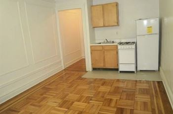 Rent Cheap Apartments In New York City From 775 Rentcafe