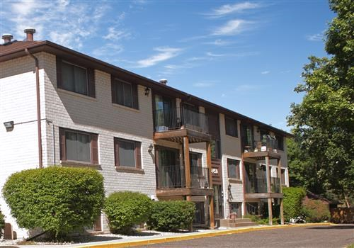 Basswood  Apartments Community Thumbnail 1