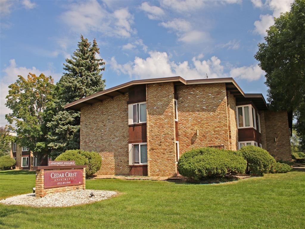 Cedar Crest Apartments in Bloomington