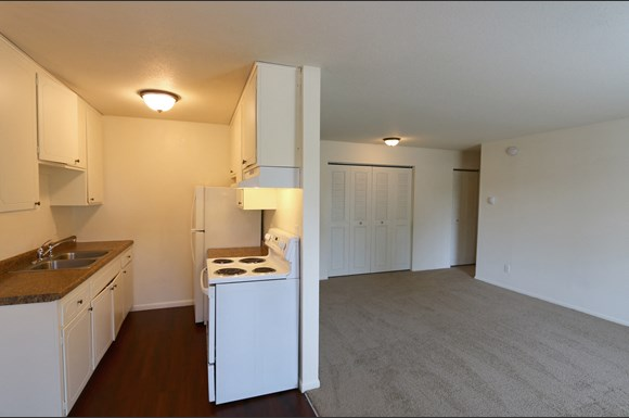 Cedar Manor Apartments, 8901, 8915 Old Cedar Ave. S ...