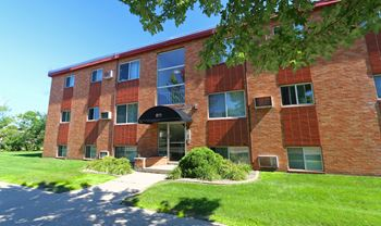805, 807, 811 Como Ave. 1-2 Beds Apartment for Rent Photo Gallery 1
