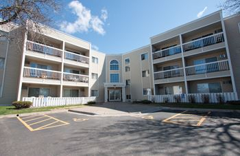 637 E River Road 1-2 Beds Apartment for Rent Photo Gallery 1
