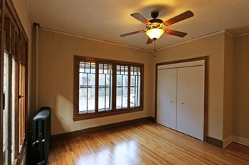 628 Grand Ave. Studio-2 Beds Apartment for Rent Photo Gallery 1