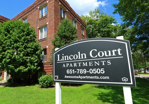 Lincoln Court Apartments Community Thumbnail 1