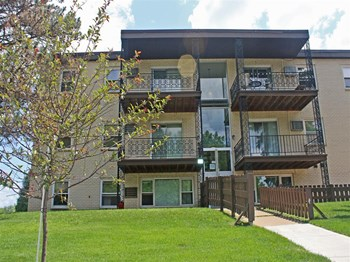 380 & 400 West Lapentuer 1-2 Beds Apartment for Rent Photo Gallery 1