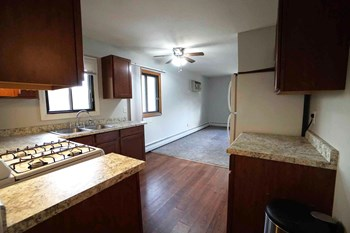 2923 East 34Th St Studio-1 Bed Apartment for Rent Photo Gallery 1